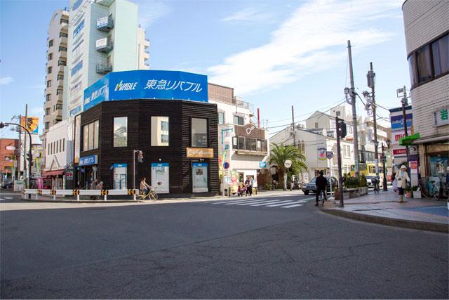 茅ヶ崎駅前の写真
